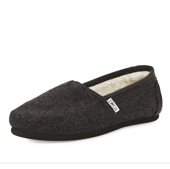 fc49c4890c7 Toms Classic Wooly Feece lined Slip On